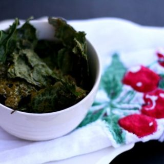 Baked Kale chips | Healthy superfood snack ideas.