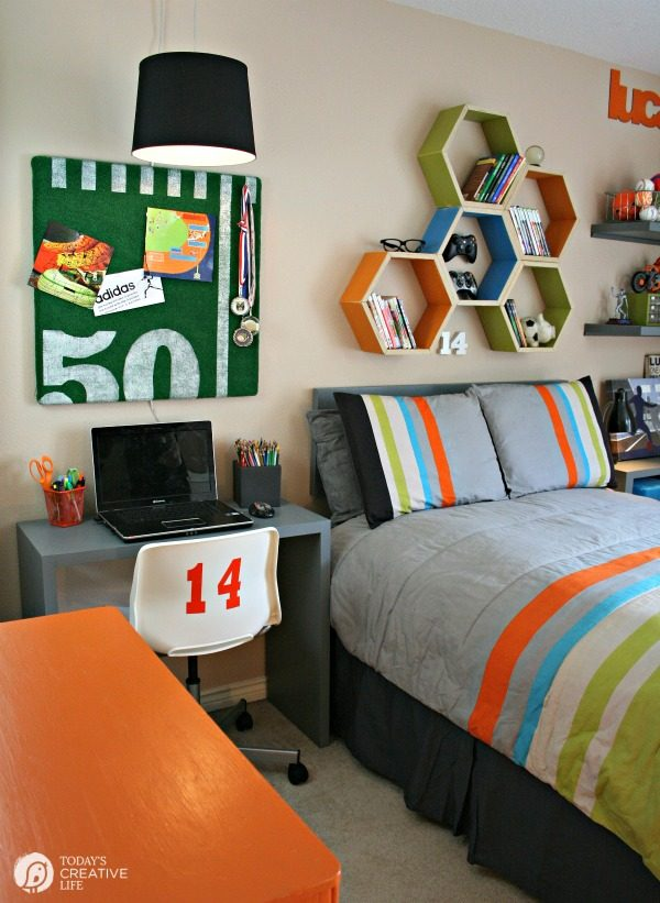 Cool Bedrooms for Teen Boys | Sports Bedroom Makeover | TodaysCreativeLife.com