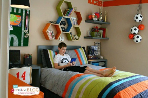 Cool Bedrooms for Teen Boys | Boy Bedroom Ideas | Decorate a sports theme boy bedroom | Click on the photo for more details. TodaysCreativeLife.com Designed with help from Aaron Christensen