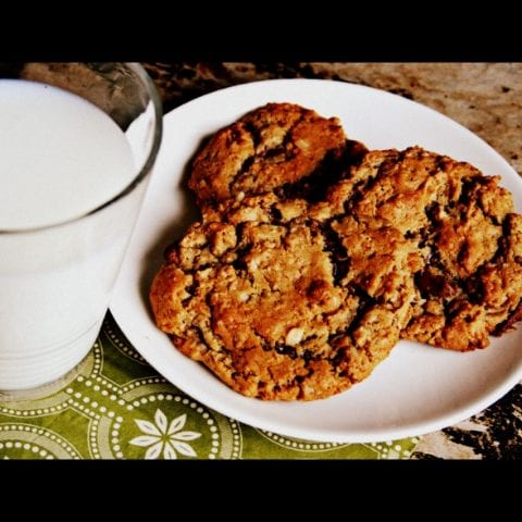 Gluten Free Oatmeal {Peanut Butter Chocolate Chip} Cookie Recipe