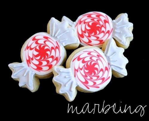 marbling holiday cookie technique