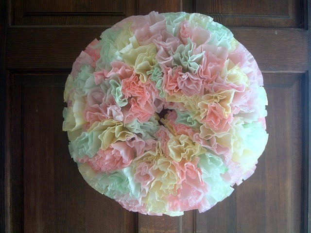 Make this  coffee filter Wreath