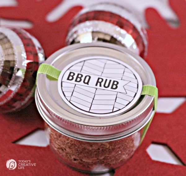 BBQ Rub Recipe | Easy DIY Gift idea for dad! TodaysCreativeLife.com