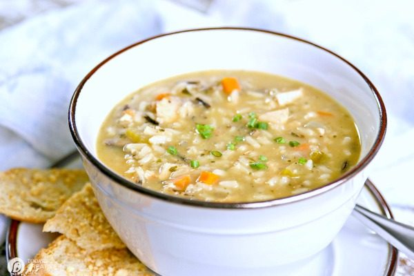Chicken and Wild Rice Soup | Easy to make | TodaysCreativelife.com