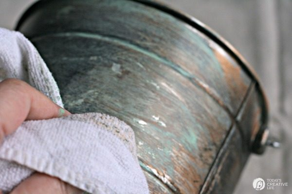 DIY Faux Patina Aged Metal | TodaysCreativelife.com