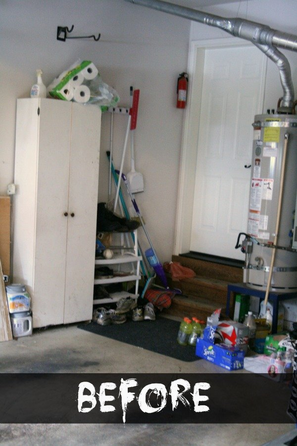 Create Garage Organization (before) | TodaysCreativeBlog.net