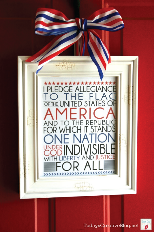 4th of July printable | This makes a great printable for easy decor on any patriotic holiday! Get your download from Today's Creative Life.