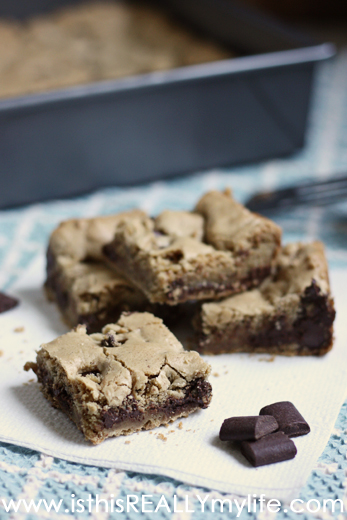 Bar Recipes - Brown butter chocolate chunk blondies on TodaysCreativeLife.com