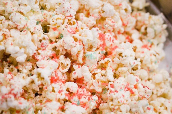 Firecracker Popcorn | Celebrate 4th of July with this popping treat! | TodaysCreativeBlog.net