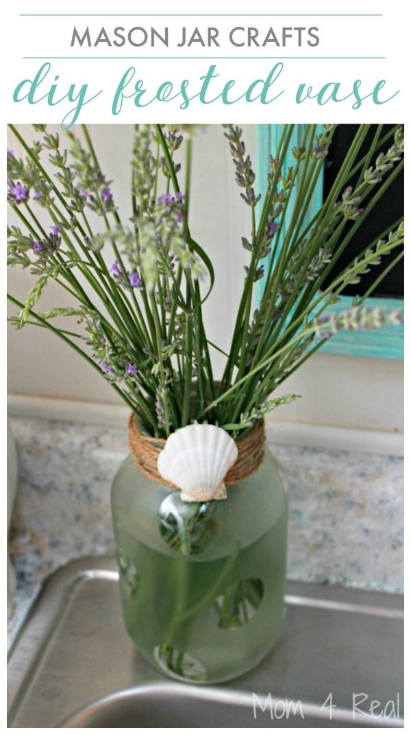 Frosted Mason Jar Vase - Mason Jar Crafts | DIY Craft | DIY Home Decor | Frosted Spray Paint | Cricut Craft Ideas | Mom4Real for TodaysCreativelife.com