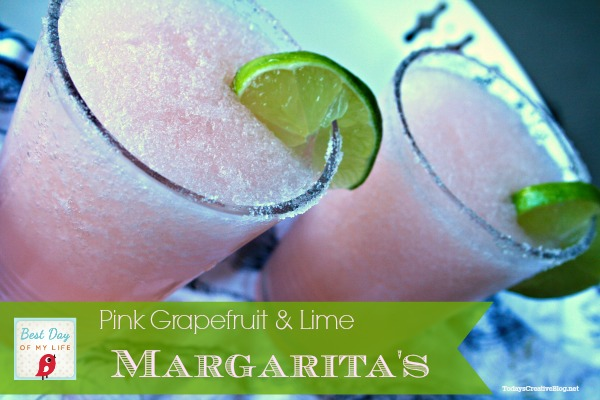 pink grapefruit margaritas | TodaysCreativeBlog.net
