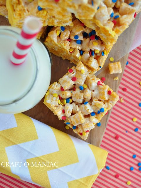 Captain Crunch Bars | See the recipe and more onTodaysCreativeLife.com