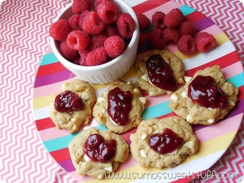 White Chocolate Cheesecake Cookies | Find more yummy recipes on TodaysCreativeLife.com