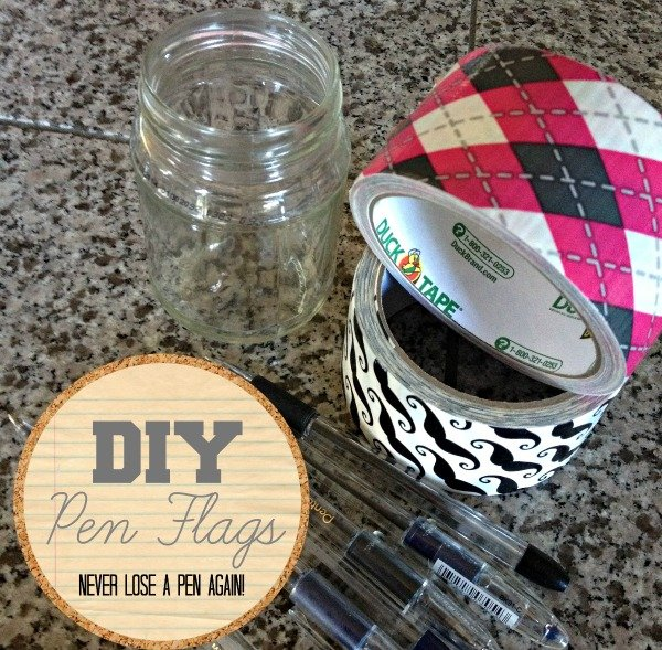 DIY Pen Flags {Back to School} | This makes a great teacher gift or office staff gift for your child's school. Easy to make. Easy crafts are my favorite! See more on TodaysCreativeLife.com