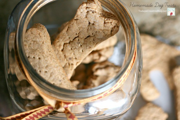 Homemade Dog Treats | TodaysCreativeBlog.net