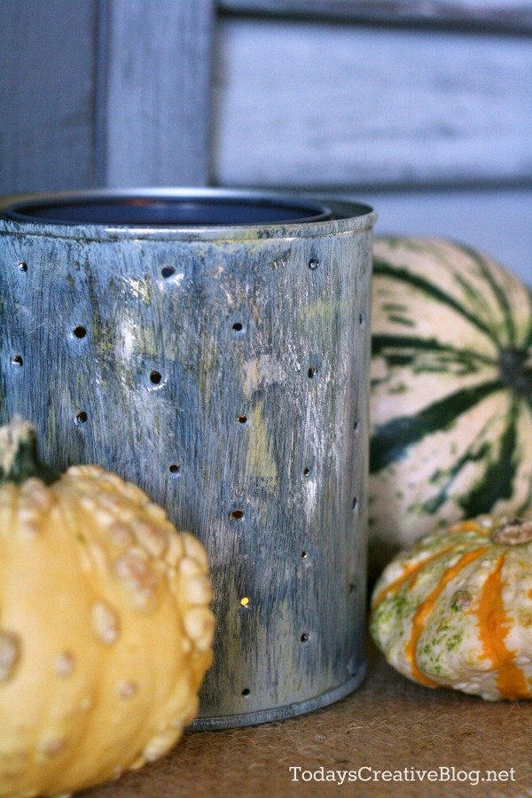 Decorating your Fall Mantel | TodaysCreativeBlog.net
