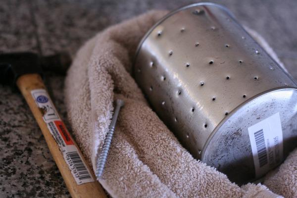 How to make a tin can lantern | TodaysCreativeBlog.net