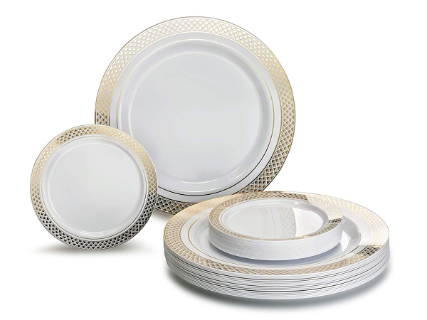 Disposable Plates for Easy Entertaining | TodaysCreativeLIfe.com