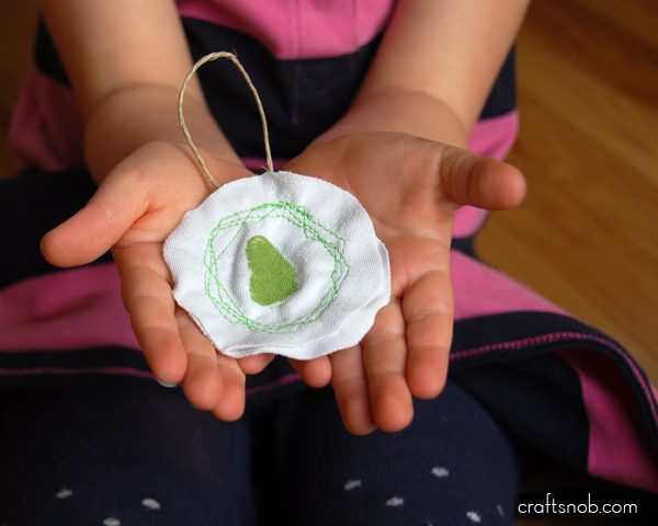 DIY Keepsake Ornament | Thumbprint holiday ornament | Holiday Crafts with kids | Christmas Keepsake | CraftSnob for TodaysCreativeLife.com