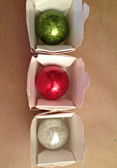 How to Make Glittered Glass Ornaments | TodaysCreativeBlog.net
