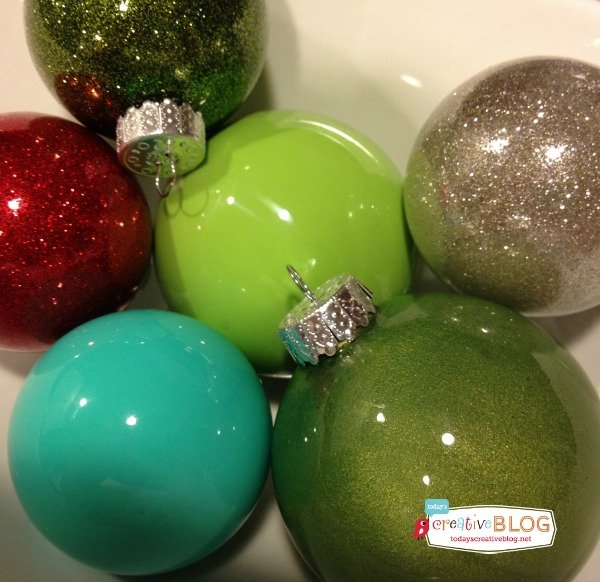 How to make glitter & painted glass ornaments | TodaysCreativeBlog.net