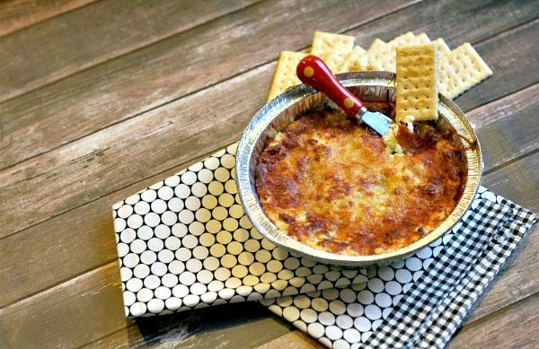 Jalapeno Cheeses Dip | Hot and cheesy party dip | Spicy dip recipes | TodaysCreativeLife.com