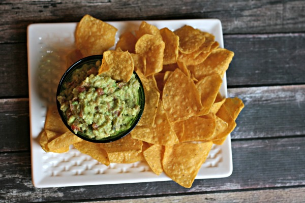 simple guacamole recipe with salsa | TodaysCreativeBlog.net