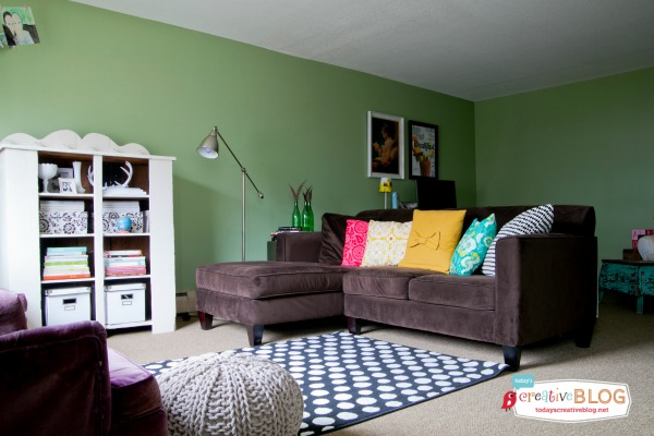 Decorating Small Living Rooms | TodaysCreativeBlog.net