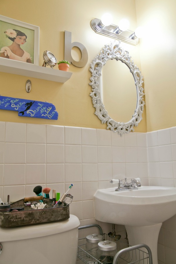 Decorating a Small Bathroom4