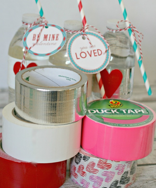 Duck Brand® Valentine Tape | Valentine Party Water Bottles | TodaysCreativeBlog.net