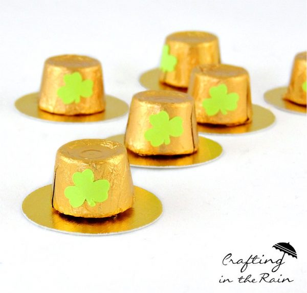 Rolo Leprechaun Hats | St. Patrick's Day Craft Ideas. Easy kids craft. Crafting in the Rain for Today's Creative Life