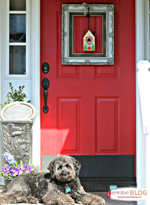 Decorating Your Door for Spring | TodaysCreativeBlog.net