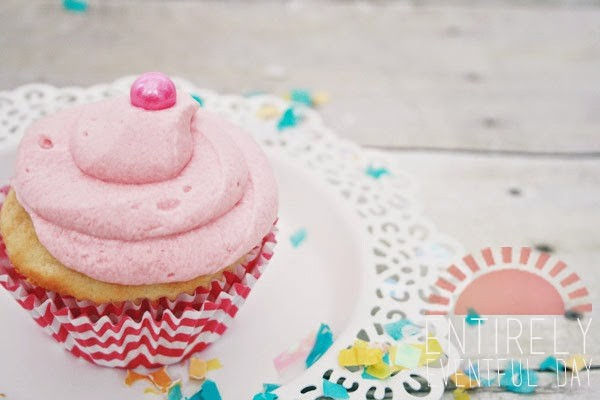 Bubble Gum Cupcakes | by Entirely Eventful Day for TodaysCreativeBlog.net