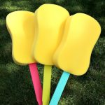 Balloon Boppers | Kids Craft | TodaysCreativeBlog.net
