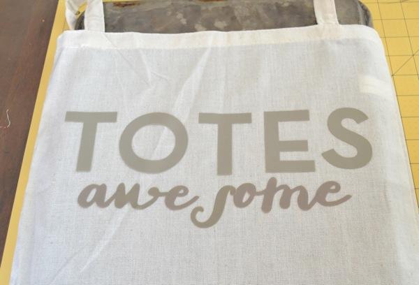 DIY Beach Tote | TodaysCreativeBlog.net