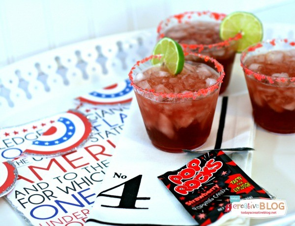4th of July Pop Rocks Cocktail | TodaysCreativeLife.com