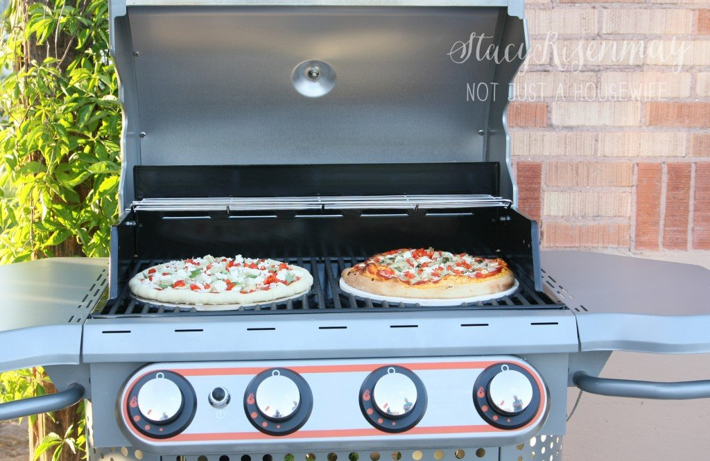 Grilled Pizza Recipe | TodaysCreativeBlog.net