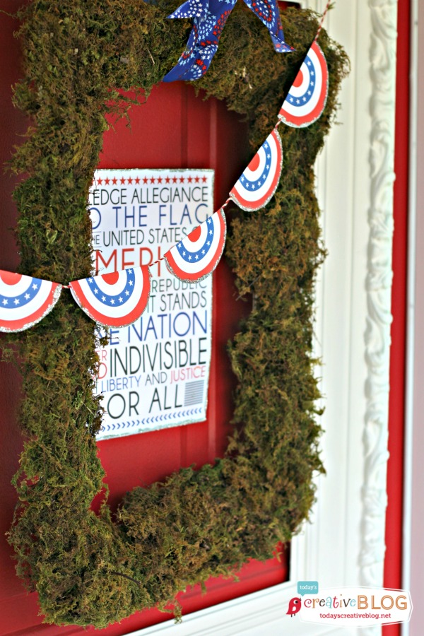 DIY Patriotic Door Decor | TodaysCreativeBlog.net