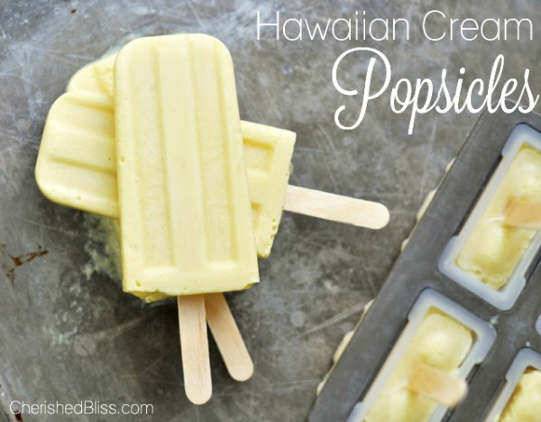 Hawaiian Cream Popsicles | TodaysCreativeBlog.net