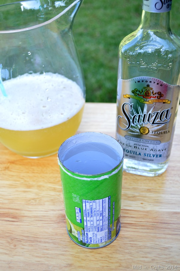 Beer Margaritas Recipe| Make margaritas using Beer! Fast and easy! This large batch party drink makes it easy on the hostess. Bring on the warm weather and cool drinks!