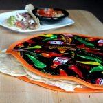 DIY Tortilla Warmer   TodaysCreativeBlog.net