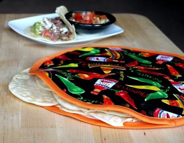 DIY Tortilla Warmer | TodaysCreativeBlog.net