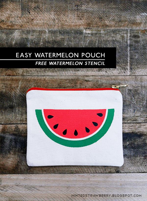 DIY: Easy Watermelon Slice Pouch {free stencil} | TodaysCreativeBlog.net