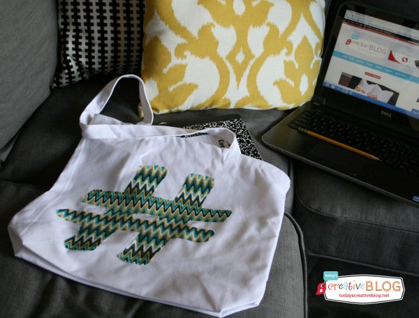 DIY Geek Chic Tote | TodaysCreativeBlog.net