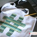 diy geek check tote | todayscreativeblog.net