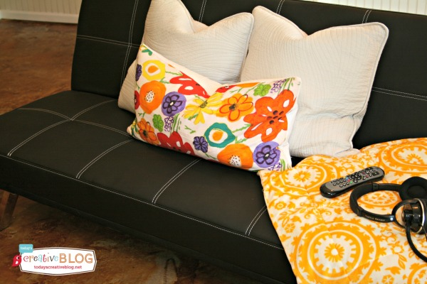 Decorating for Teens | Creating a Teen hangout makes your home teen friendly! See more ideas on TodaysCreativeLife.com
