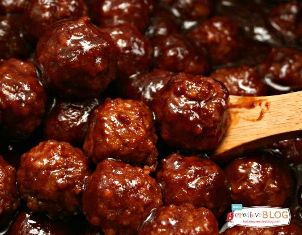 Crockpot BBQ Meatballs | TodaysCreativeLife.com