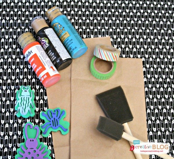 DIY Birthday Goodie Bags | Bug Stamped Party Bags |Find more creative ideas on TodaysCreativeBlog.net