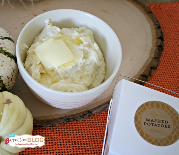 Crock Pot Mashed Potatoes | Grab your slow cooker for this Thanksgiving side dish! Creamy mashed potatoes made with sour cream and so much more! Click the photo for the recipe. TodaysCreativeLIfe.com