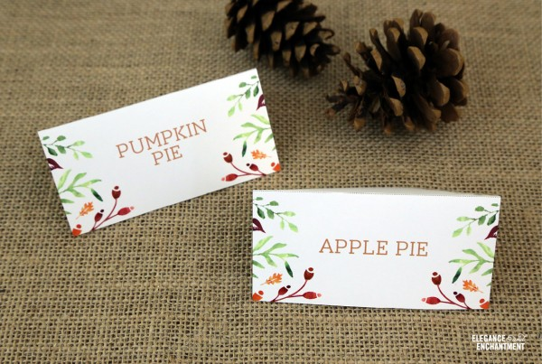 Free Thanksgiving Table Printables | Click the photo for your own set.